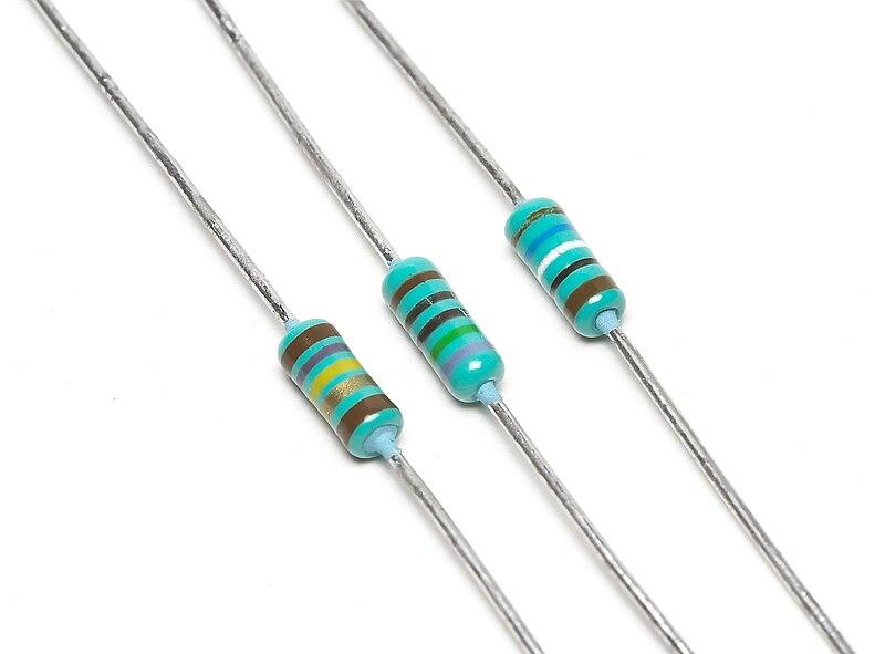 Berkas:3 Resistors.jpg