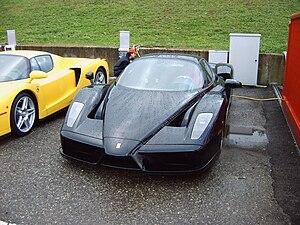 English: Black Ferrari Enzo.