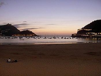 English: La Concha bay (The Shell bay), in San...