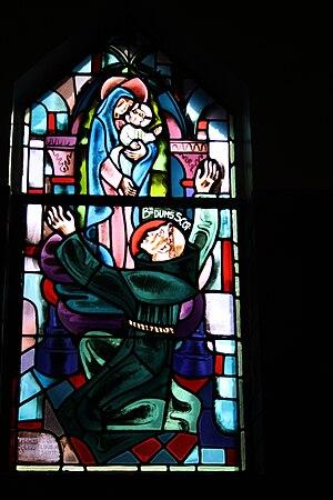Bleiglasfenster in der Kapelle (Seitenschiff) ...