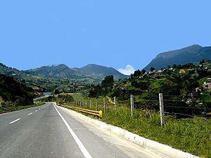 Carretera hacia Urabá