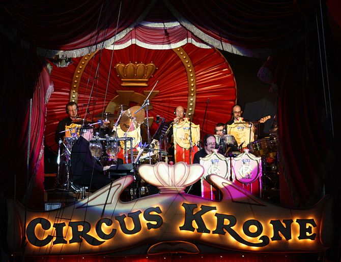 English: Band in the Circus Krone building in ...
