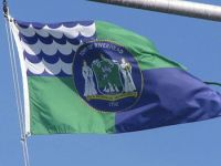 English: Flag of the Town of Riverhead flying ...