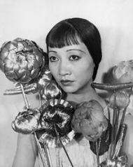 220px AnnaMayWong2 - Anna May Wong