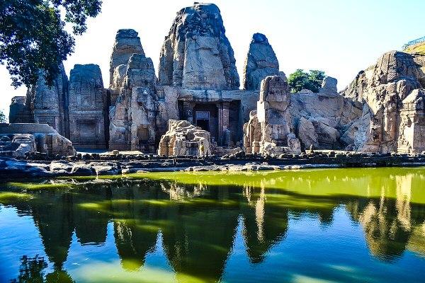 Masrur Temples - Wikipedia