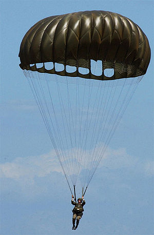 An American paratrooper using an MC1-1C series...