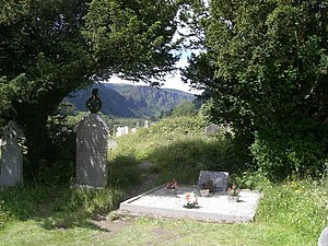 English: Wicklow mountains from Graveyard at G...