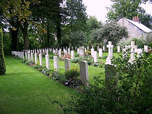 English: ANZAC War Grave Cemetery, Codford St ...
