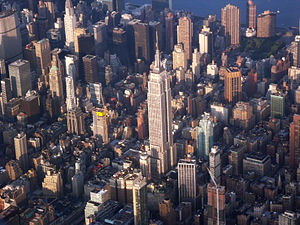 English: Empire State Building from airplane