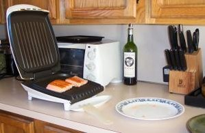 English: A typical 'George Foreman Grill' in a...
