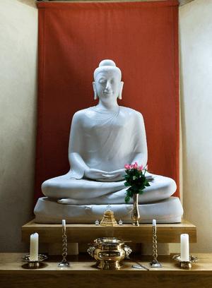 English: Main Buddha from the Chithurst Dhamma...