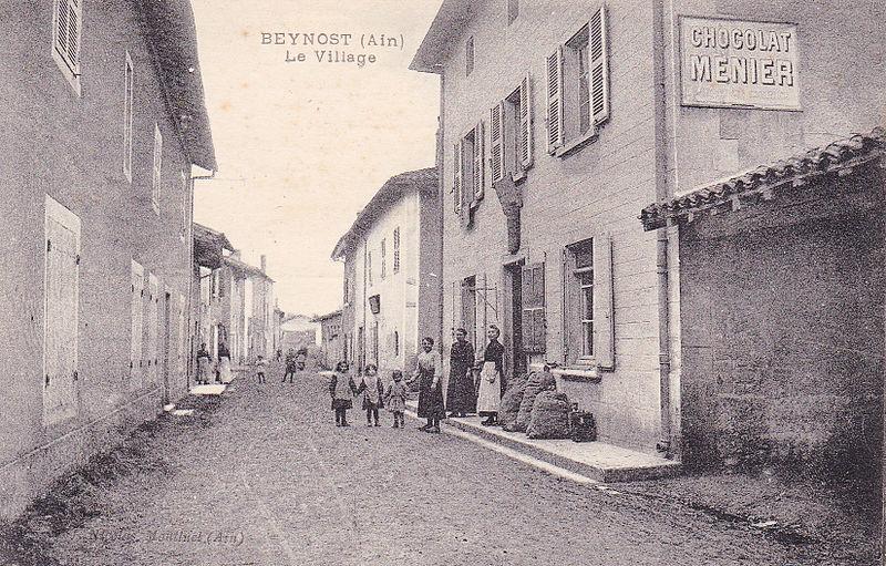 Fichier:Carte postale - Rue centrale - Beynost (Ain).jpg