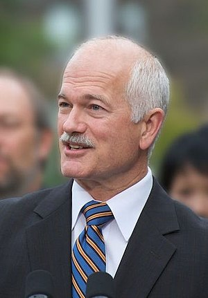 Jack Layton making NDP transit announcement.