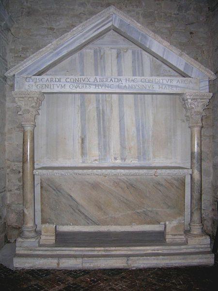 File:Tomba di Aberada.jpg