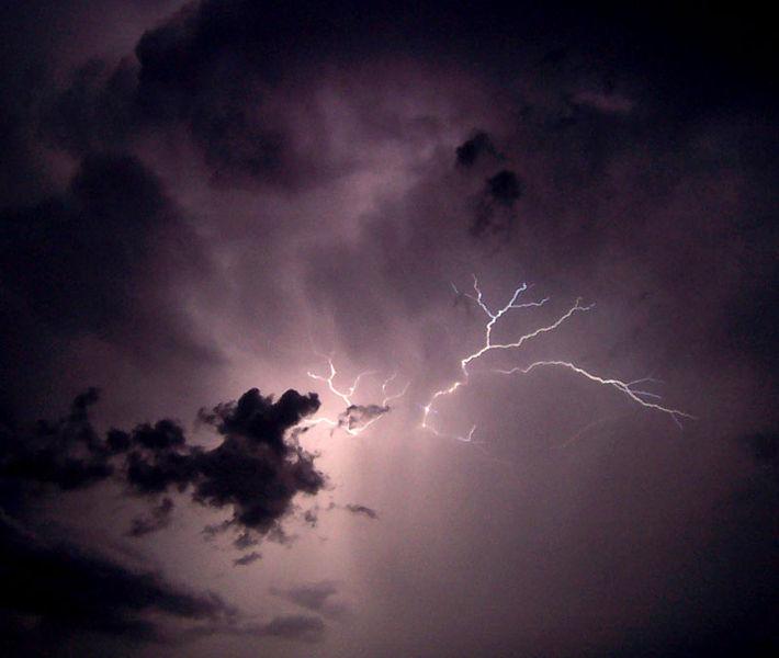 File:Lightning02.jpg