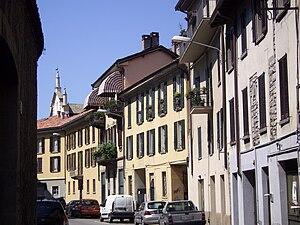 Italiano: Via Brambilla verso Sant'Agostino