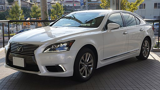 2012 LEXUS LS600h Japan 01