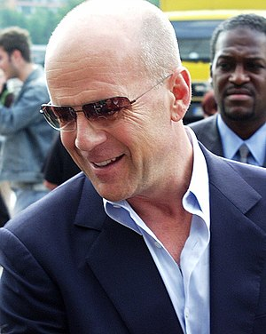 Bruce Willis appeared in three episodes of Sea...