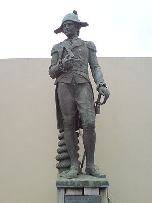 English: The Statue of Captain Cook near the L...