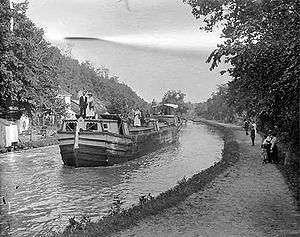 English: A ferry on the . Photo from the Natio...
