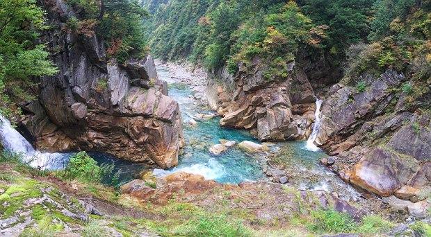 ファイル:Jujikyo in Kurobe Gorge.jpg
