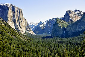 1 yosemite valley tunnel view 2010.JPG