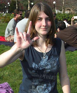 English: ASL sign I-LOVE-YOU (wikt:en:ILY@Side...