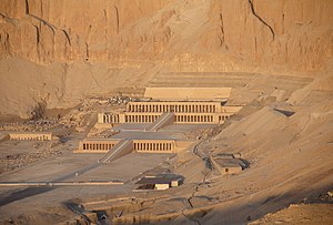 English: Temple of Hatshepsut, Luxor, Egypt
