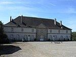 PA00107305.Château et son pigeonnier de Thuillières.jpg