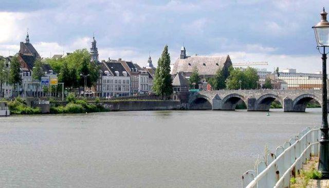 Ficheiro:MaastrichtAltstadt.jpg