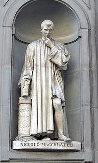 Estatua de Maquiavelo en la Galer�a Uffizi.