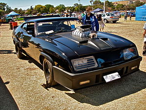 English: Replica edition of Mad Max's Pursuit ...