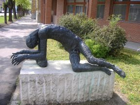 File:Statue of the Tired Man.JPG