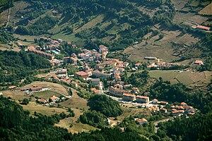 English: The town of Zegama seen from Aizkorri