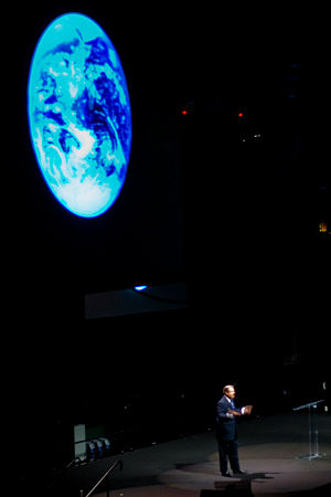 Al Gore's speech on Global Warming at the Univ...