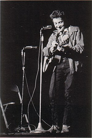 Bob Dylan performing at St. Lawrence University