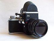 La respuesta de Leica a las SLR; un Leica Visoflex II en una Leica IIIf con un 65 mm f/3.5 Elmarit