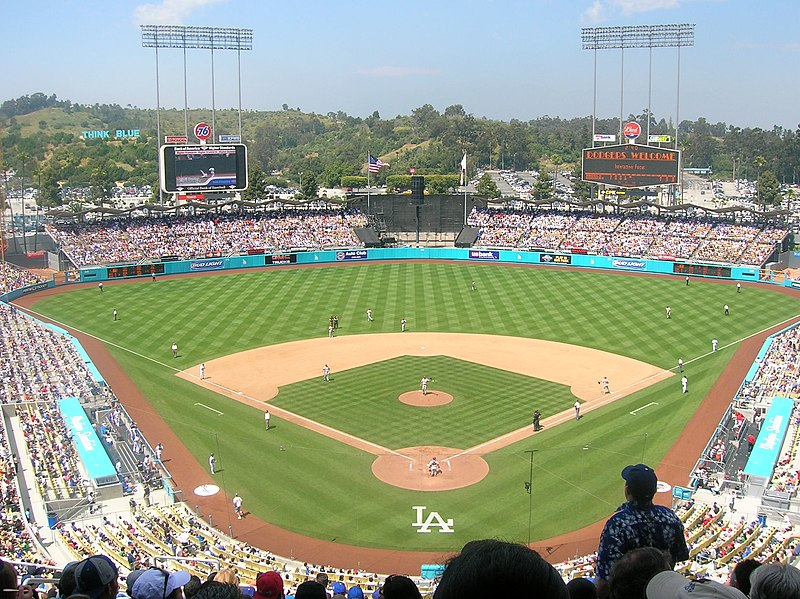 https://i1.wp.com/upload.wikimedia.org/wikipedia/commons/thumb/f/f1/Dodger_Stadium.jpg/800px-Dodger_Stadium.jpg