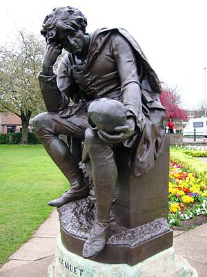 English: srtaue of shakespeare, Stratford on A...