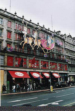 Christmas lights outside Hamleys London store ...