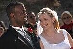 Schwarzer Mann und weiße Frau bei ihrer Hochzeit 2003