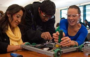 English: The Robotics Club at Cañada College i...