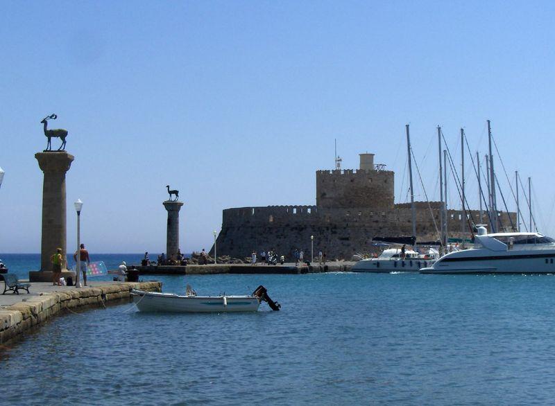 Ficheiro:159.Port Mandraki.JPG
