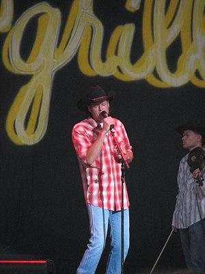 Blake Shelton performing.