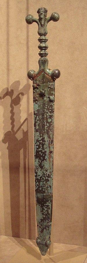 Celtic_sword_and_scabbard_circa_60_BCE.