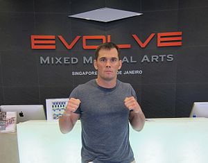 English: Picture of MMA fighter Rich Franklin ...