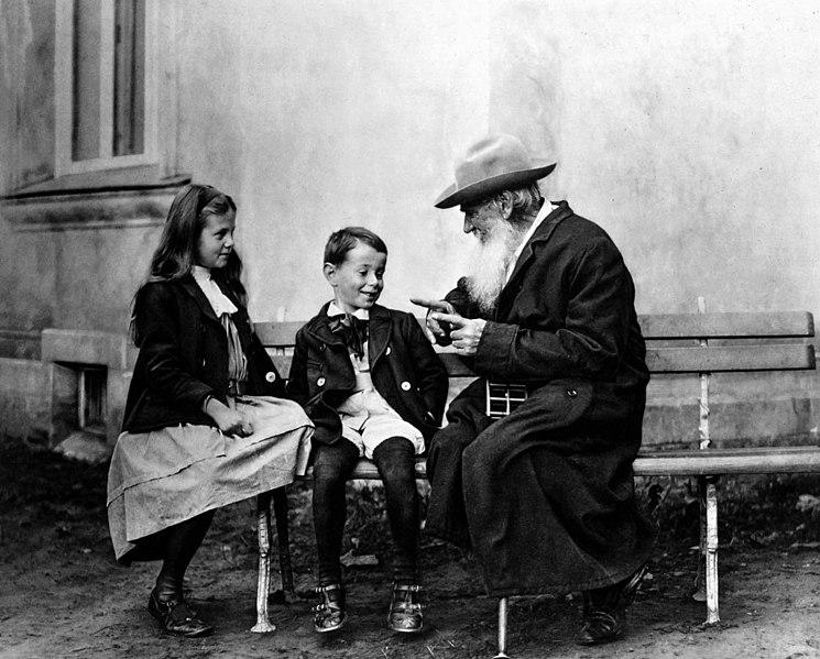 File:Tolstoi avec ses petits-enfants.jpg