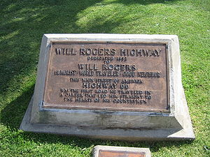 English: Will Rogers Monument at the western t...