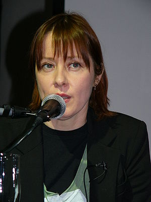 English: American singer Suzanne Vega in the t...
