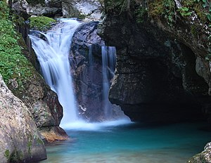English: Waterfall near Lepena, Slovenia Slove...